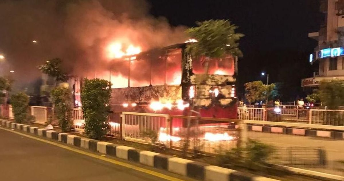 Surat: Patidars disrupt BJP Yuva Morcha event, set buses on fire