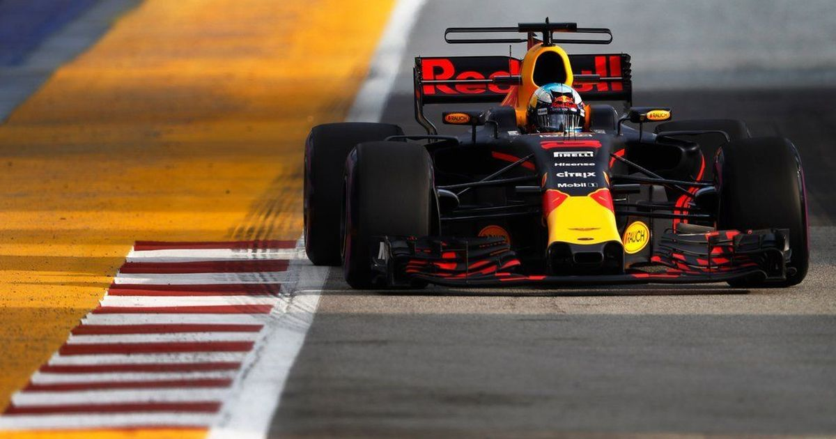 Daniel Ricciardo finishes first in Singapore Grand Prix practice, beats Rosberg's record