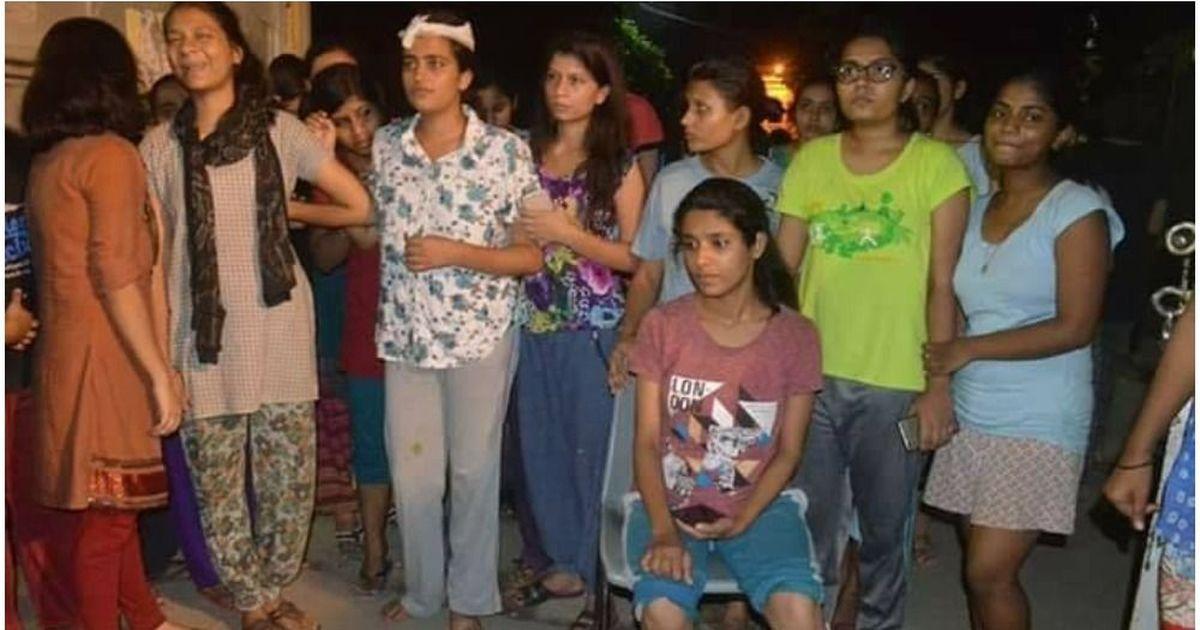 नवरात्रि में कन्याओं को पूजते हैं, लेकिन यहां लाठियां बरसाई जा रही हैं : कांग्रेस