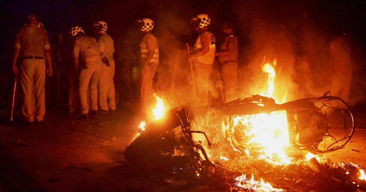 Varanasi: FIR filed against 1,000 Banaras Hindu University students for arson
