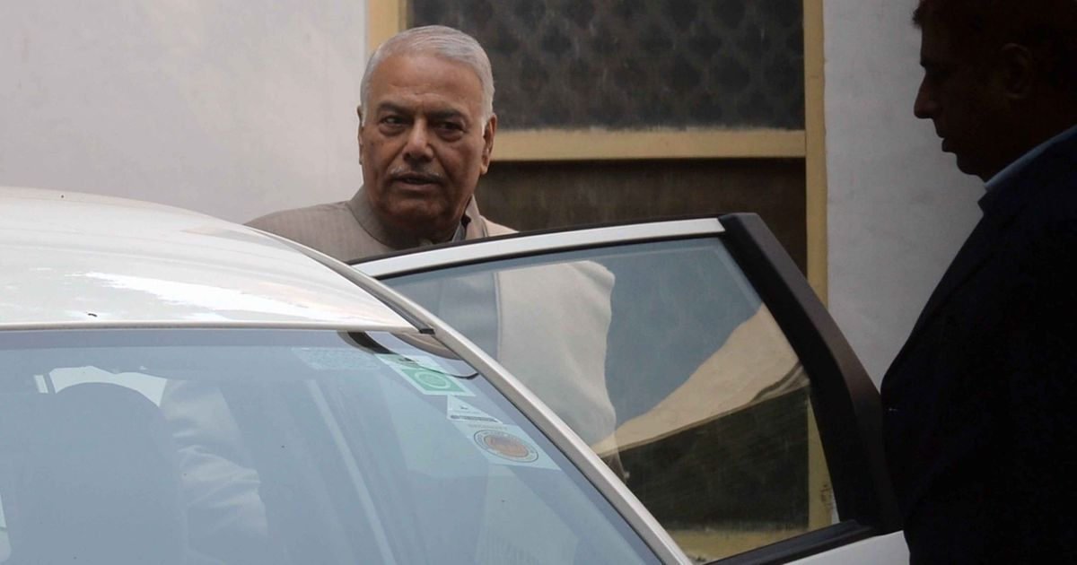 Senior BJP leader Yashwant Sinha pledges to fight for Maha farmers
