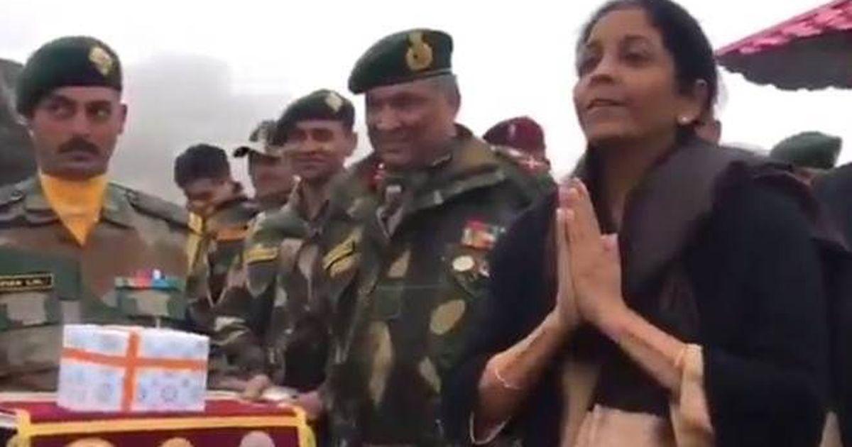रक्षा मंत्री निर्मला सीतारमण ने चीनी सैनिकों से पूछा, 'नमस्ते का मतलब क्या होता है?'