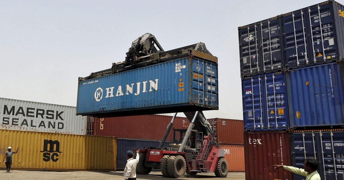 देश का निर्यात 14 महीनों में पहली बार गिरा, व्यापार घाटा 35 महीनों के सर्वोच्च स्तर पर