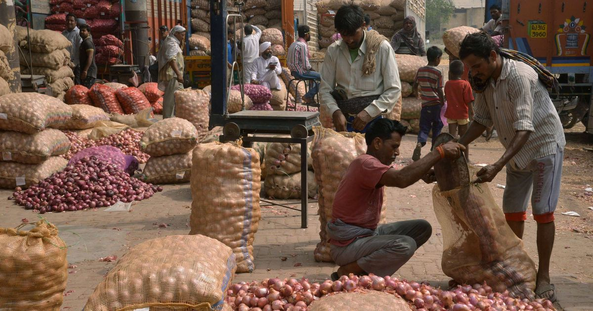 Inflation cools to 2.6% on lower food prices