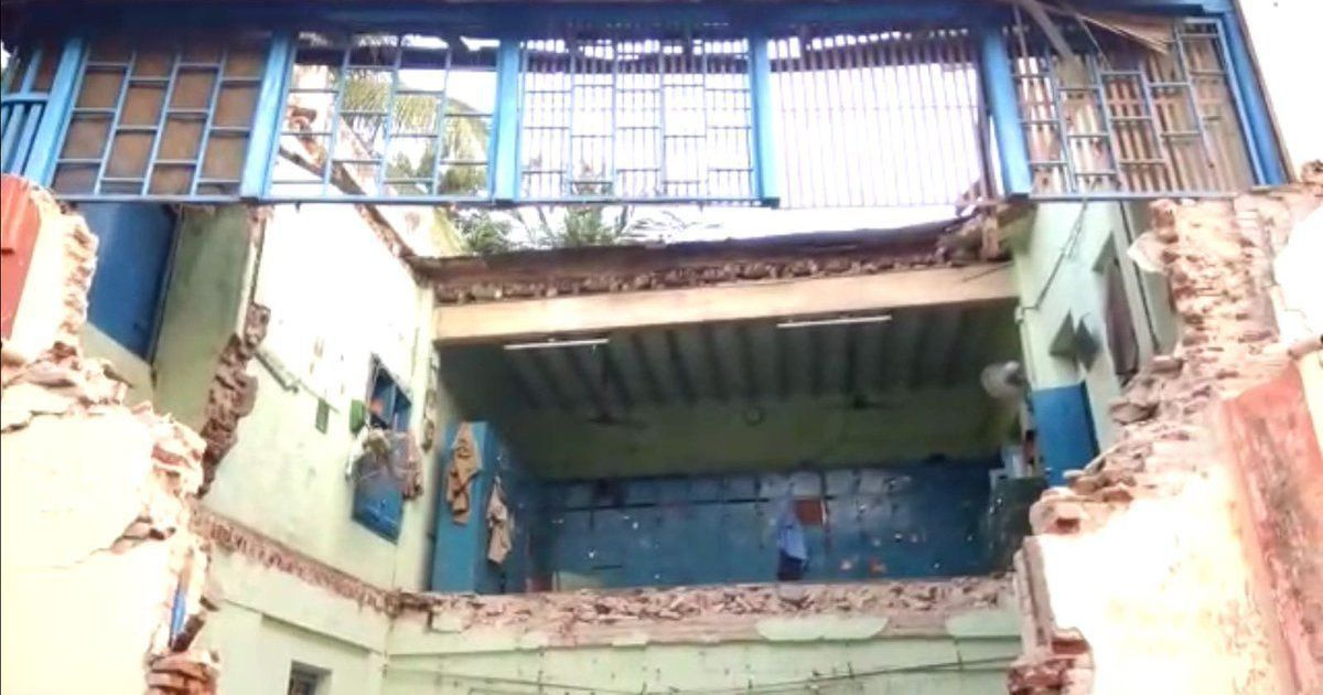 Eight die as roof of bus depot collapses in Nagapattinam