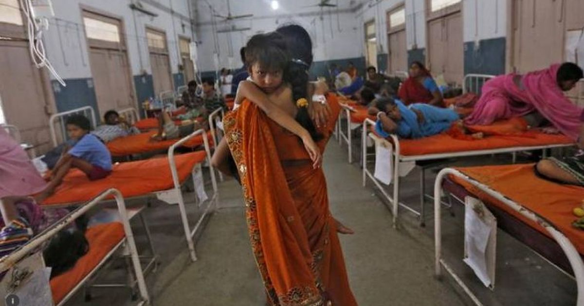 योगी सरकार द्वारा 'गोरखपुर के अस्पताल' में 'भगवा चादरें बिछाने' का सच क्या है?