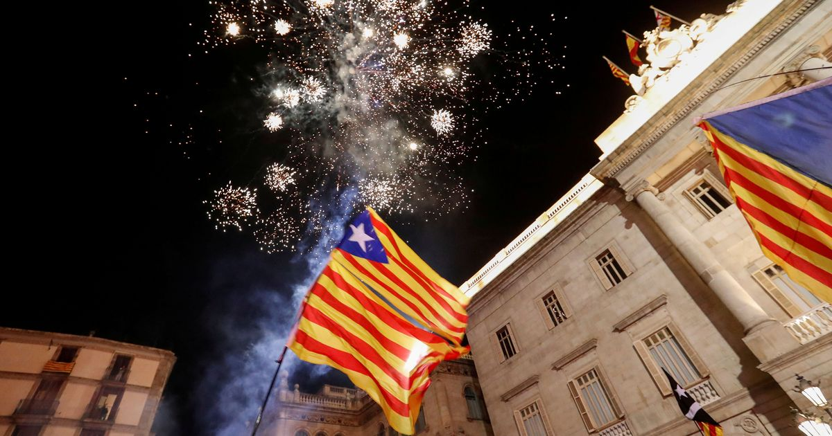 Catalonia: Pro-independence parties win majority in snap election announced by Spanish government