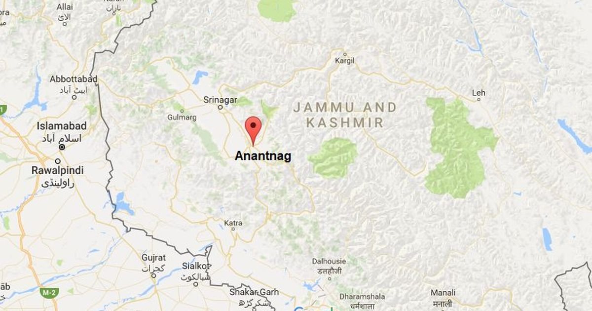 CRPF convoy attacked in Kashmir's Anantnag, 2 troopers injured