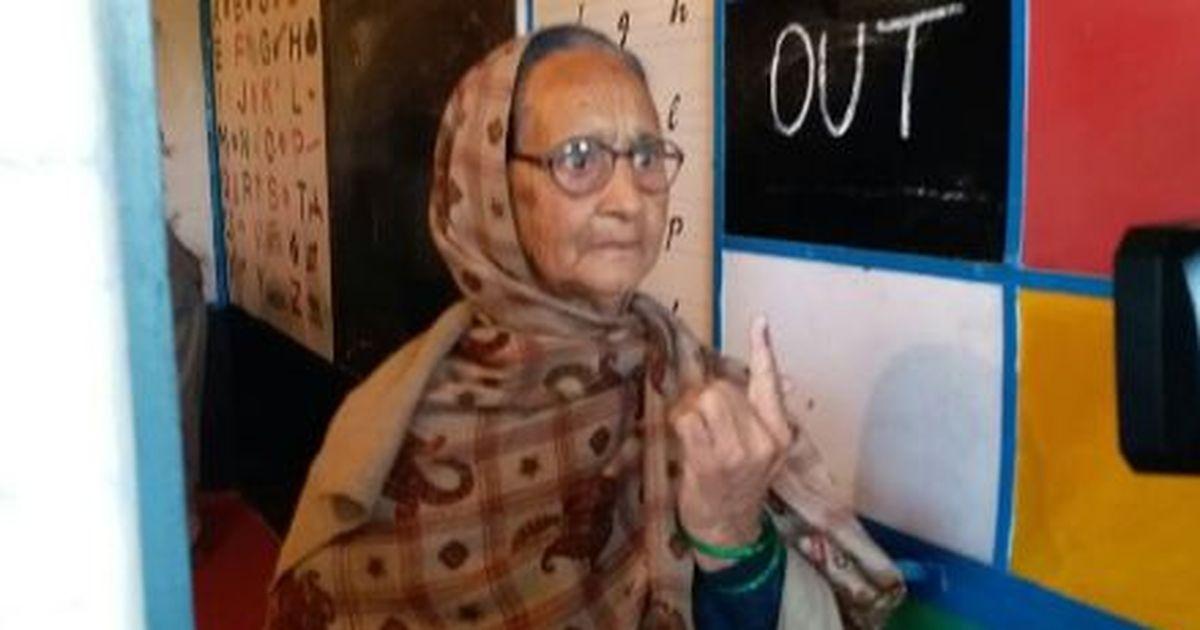 हिमाचल प्रदेश : वोटिंग जारी, किन्नौर में तकनीकी कारणों से देरी