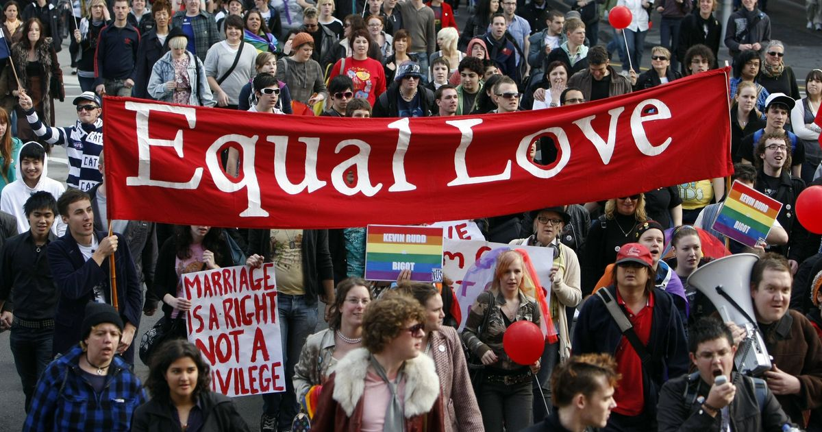 Same-sex marriage law passes first major hurdle in Australia