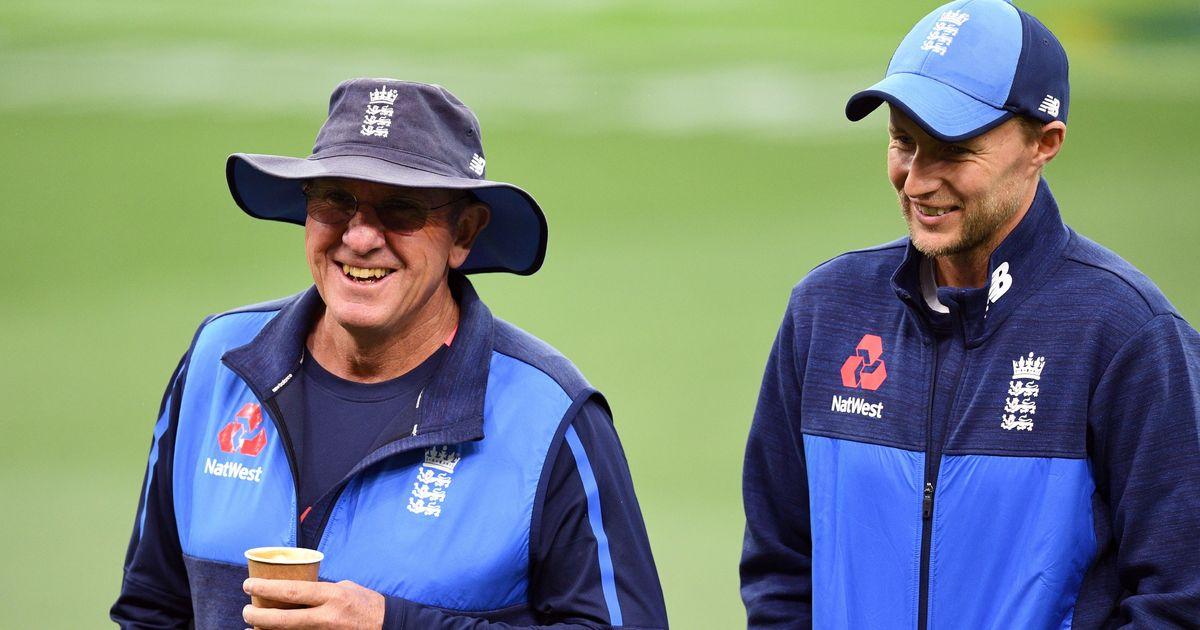 England coach Trevor Bayliss wants stump mic turned down during heated Ashes Tests