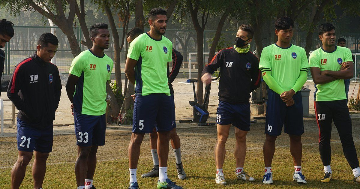 After Sri Lanka cricketers, now ISL teams wear masks during training in Delhi
