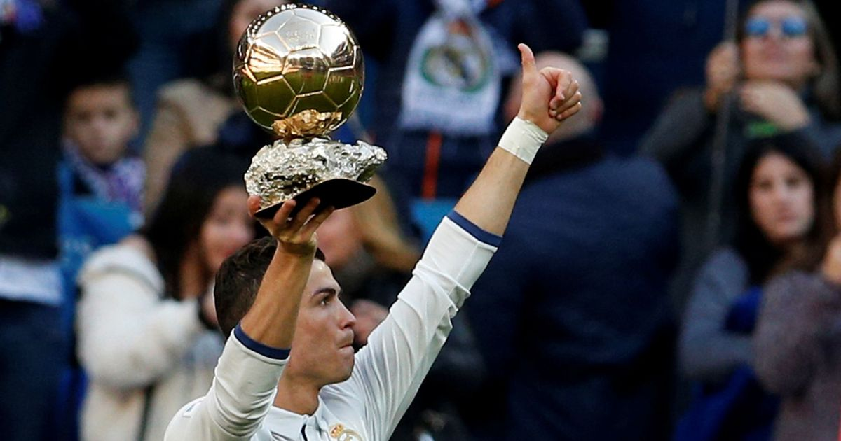 Ballon d'Or award 2017 : When, Where, Who, Ronaldo or Messi?