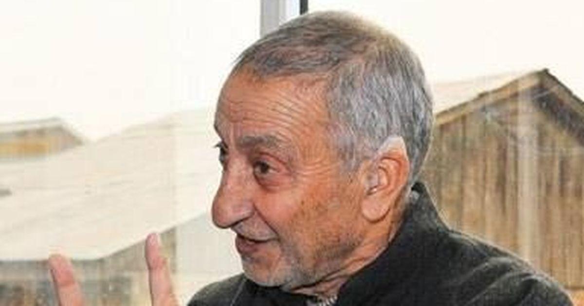 Kashmir: Pro-dialogue separatist leader Abdul Ghani Bhat confirms meeting Dineshwar Sharma last week