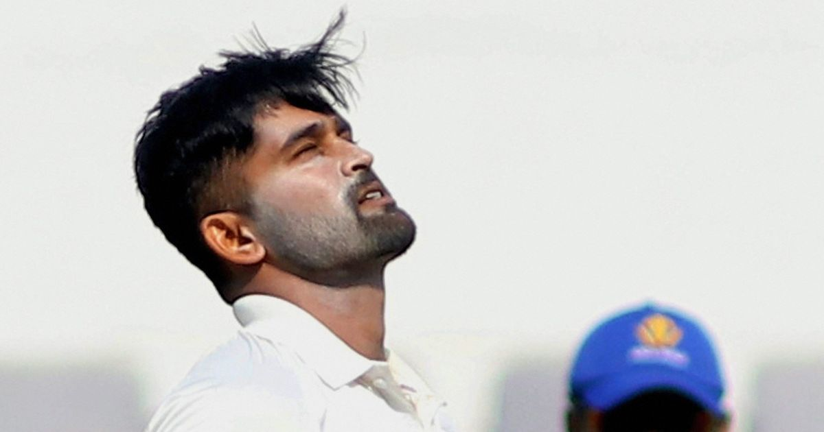 Ranji Trophy quarters: Karnataka's Vinay Kumar rocks Mumbai with hat-trick, Delhi on top against MP