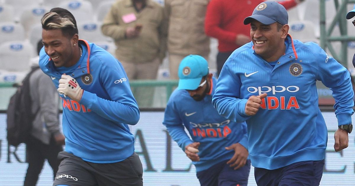 Watch: An incredible 100-yard dash between 36-year-old Dhoni and 24-year-old Pandya