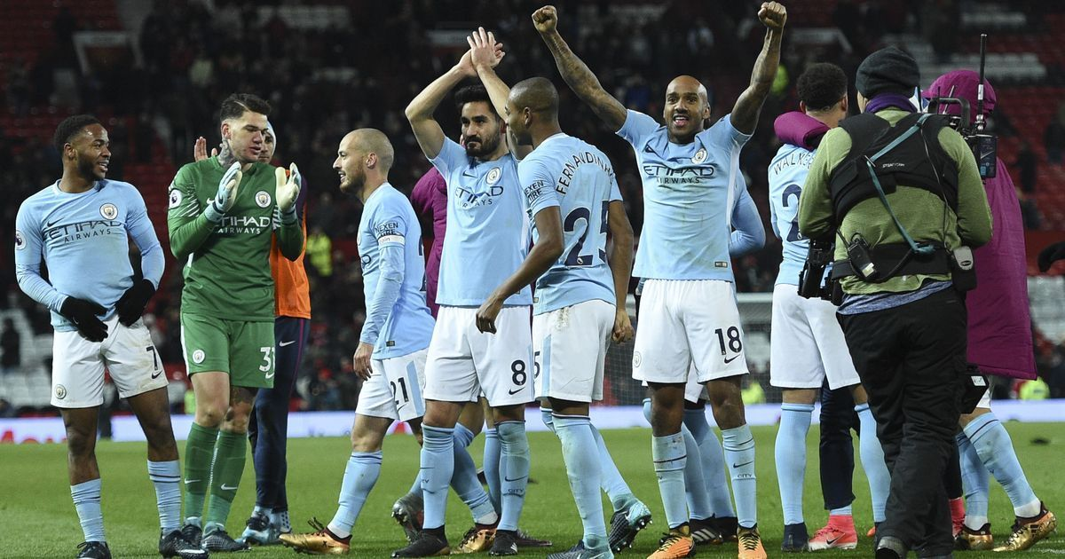 David Silva gives Man City 15th win in a row