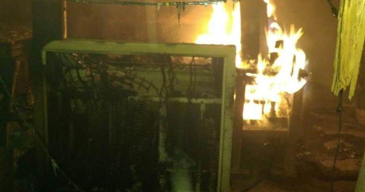 बिहार : रेलवे स्टेशन पर नक्सली हमला, दो रेलकर्मियों को बंधक बनाया, सिग्नलिंग पैनल में आग लगाई