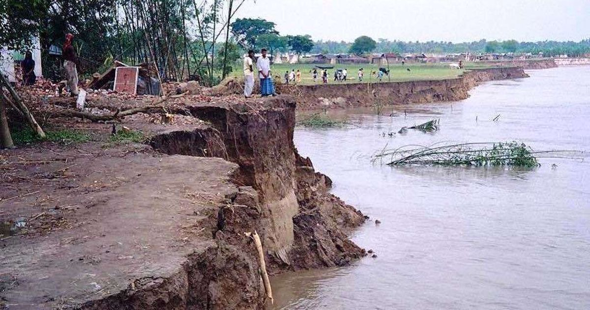 In an agrarian village in West Bengal, river bank erosion has robbed