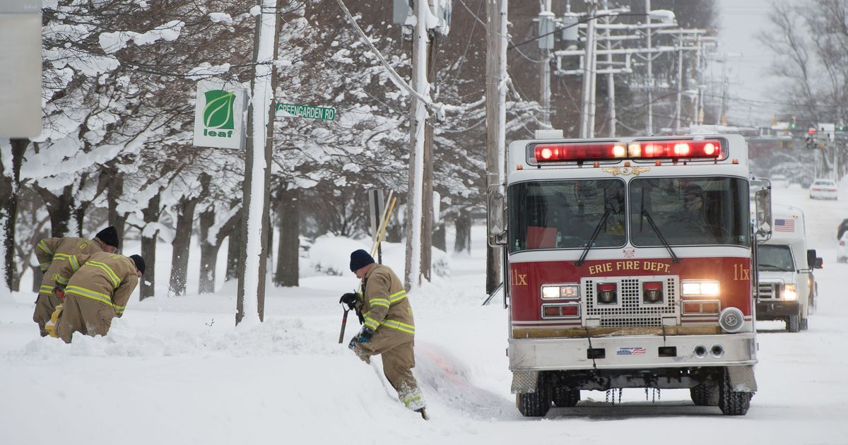At least 12 dead as freezing temperatures grip the US, warming centres set up