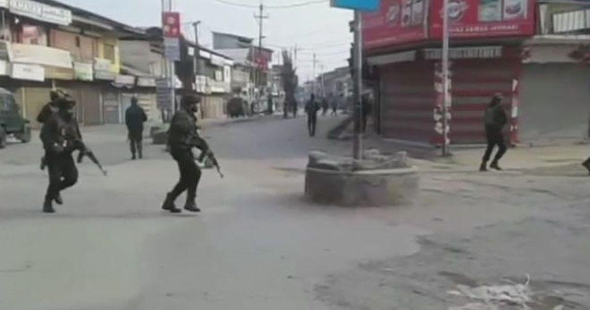 जम्मू-कश्मीर : आतंकी हमले में चार पुलिसकर्मी शहीद