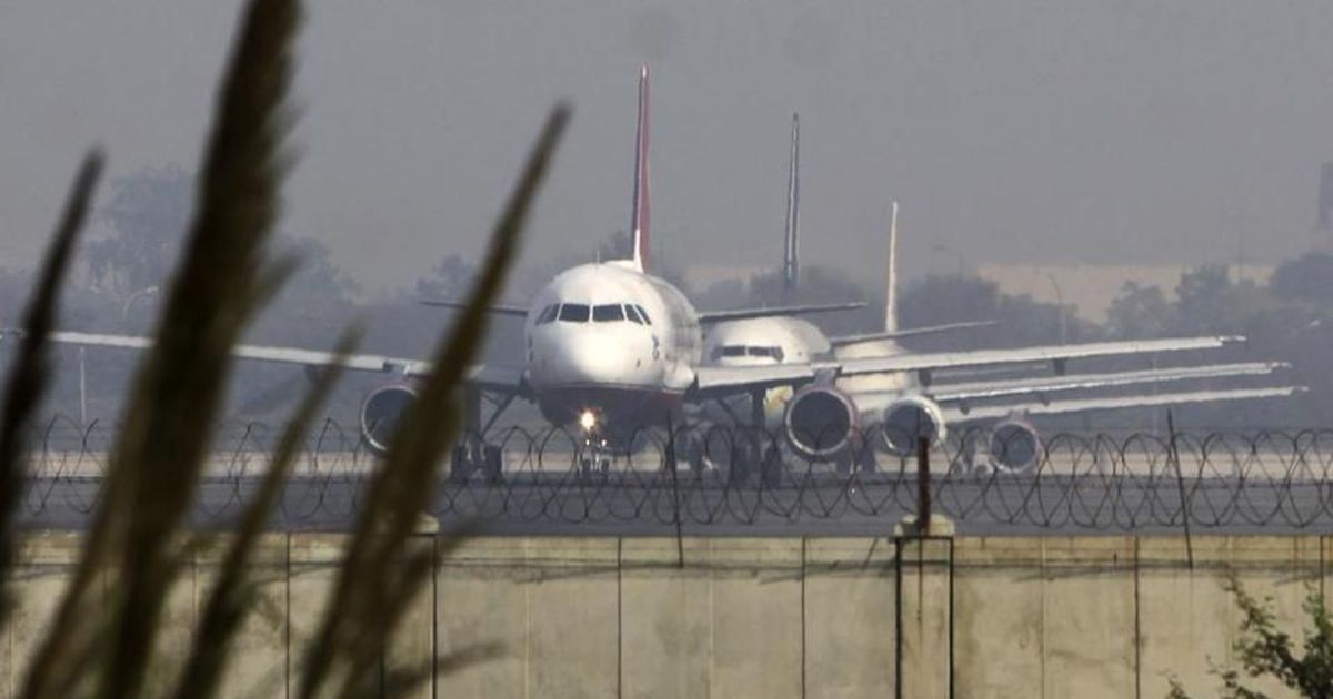 Fog delays flights, trains in Delhi