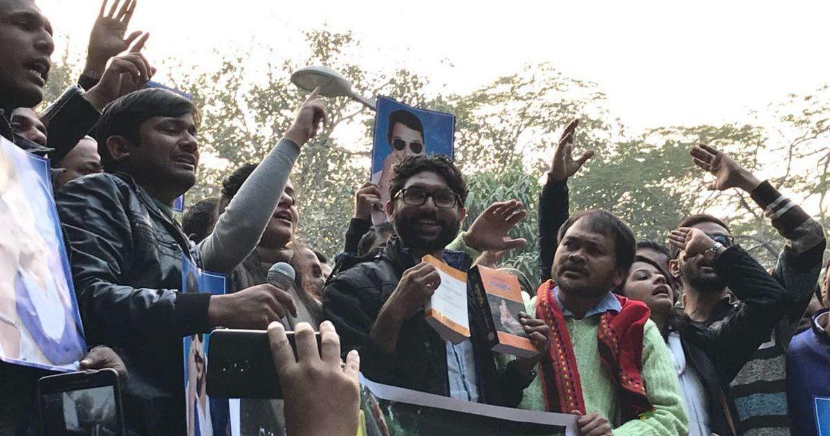 प्रधानमंत्री नरेंद्र मोदी भीमा कोरेगांव हिंसा पर चुप्पी तोड़ें : जिग्नेश मेवाणी