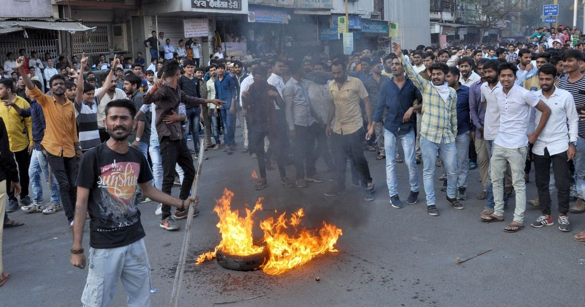 Protestors against 'Padmaavat' block roads, torch vehicles in Gujarat, attack toll plaza in Noida
