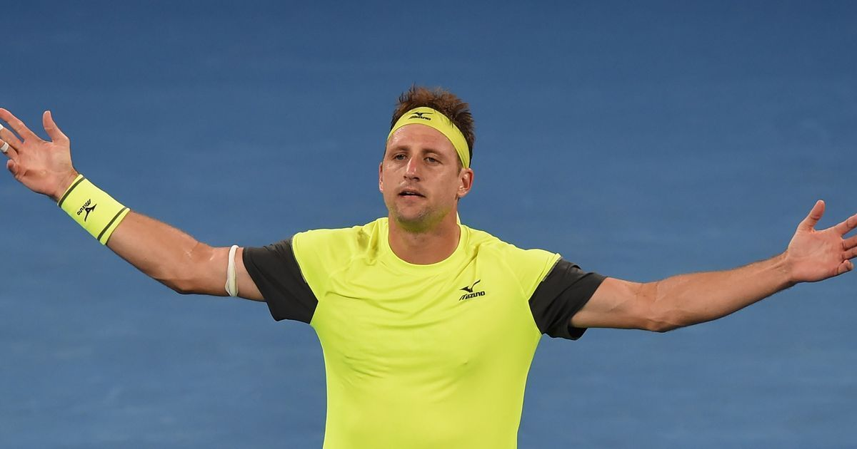 Tennys Sandgren takes down Dominic Thiem at Australian Open to reach quarterfinals
