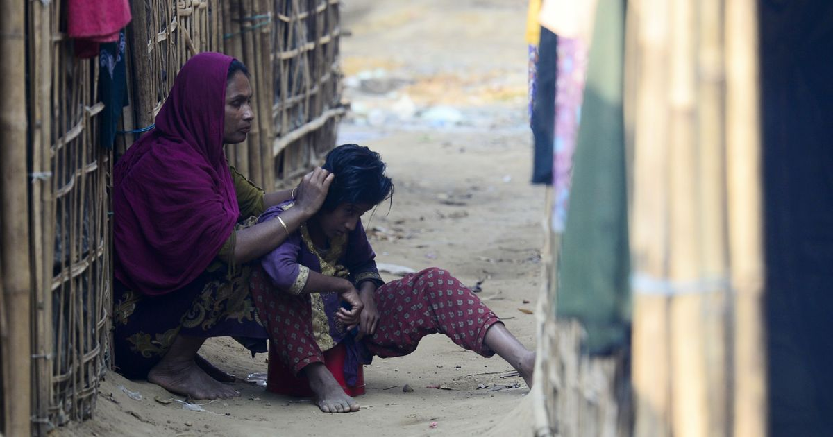 Mass graves report angers Rohingya refugees