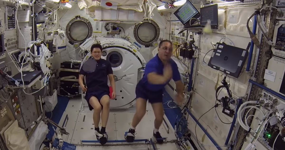 Astronauts play first space badminton tournament