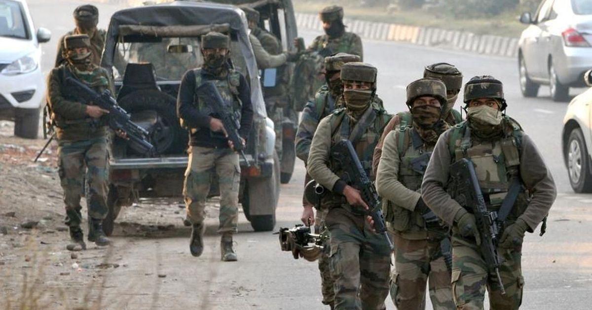 जम्मू-कश्मीर में सैन्य शिविर पर आतंकी हमले में दो अफसरों के शहीद होने सहित दिन के बड़े समाचार