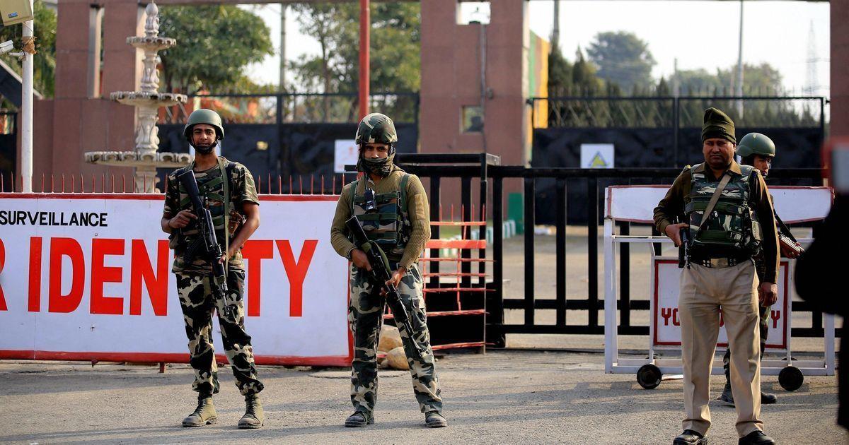 ओवैसी के बयान पर सेना का जवाब, कहा - शहीदों का धर्म नहीं होता
