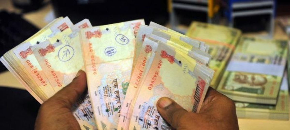 नोटबंदी के बाद खातों में जमा हुई राशि से सरकार ने छह हजार करोड़ रुपये का कर वसूला