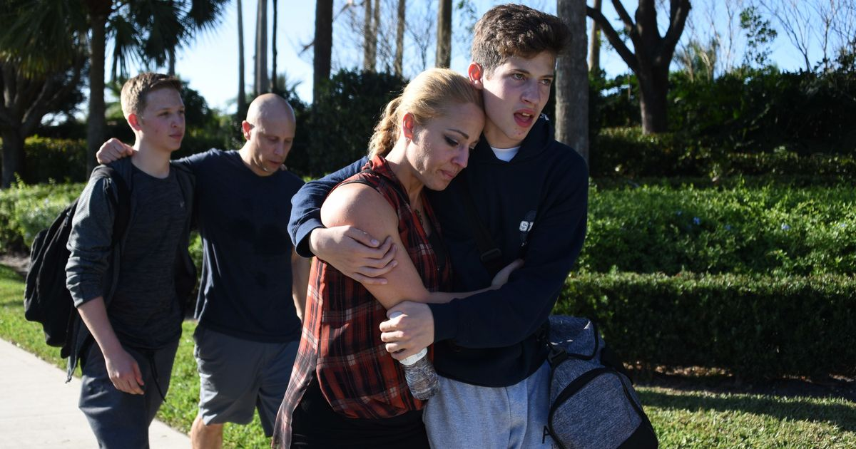 United States: 17 killed, many injured after former student opens fire at Florida school