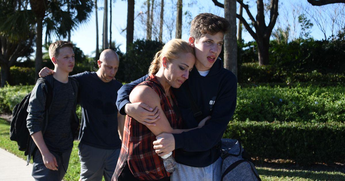 अमेरिका : स्कूल में गोलीबारी, 17 की मौत