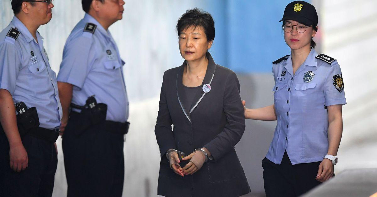 """Résultat de recherche d'images pour """"Former South Korean president Park sentenced to 24 years in prison"""""""