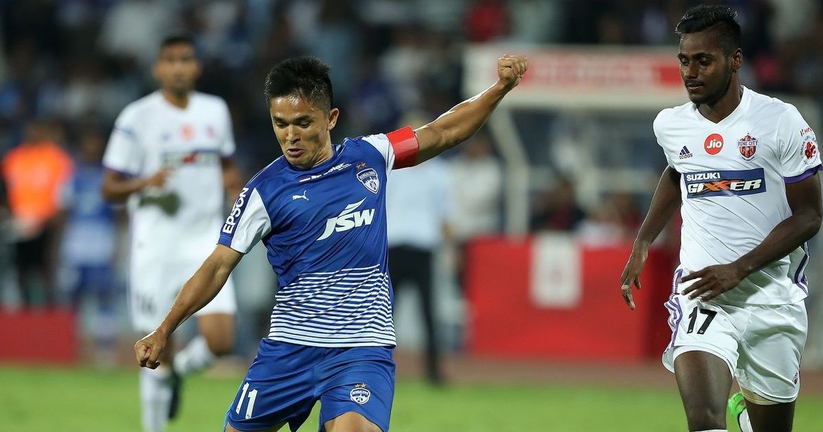 Sunil Chhetri's hat-trick powers Bengaluru FC into ISL final, beat Pune City 3-1