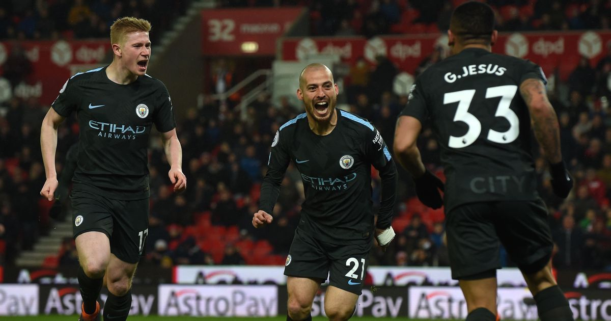 David Silva's brace takes Manchester City  closer to Premier League title