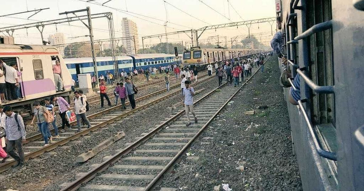 Students seeking jobs stage rail roko between Dadar-Matunga in Mumbai