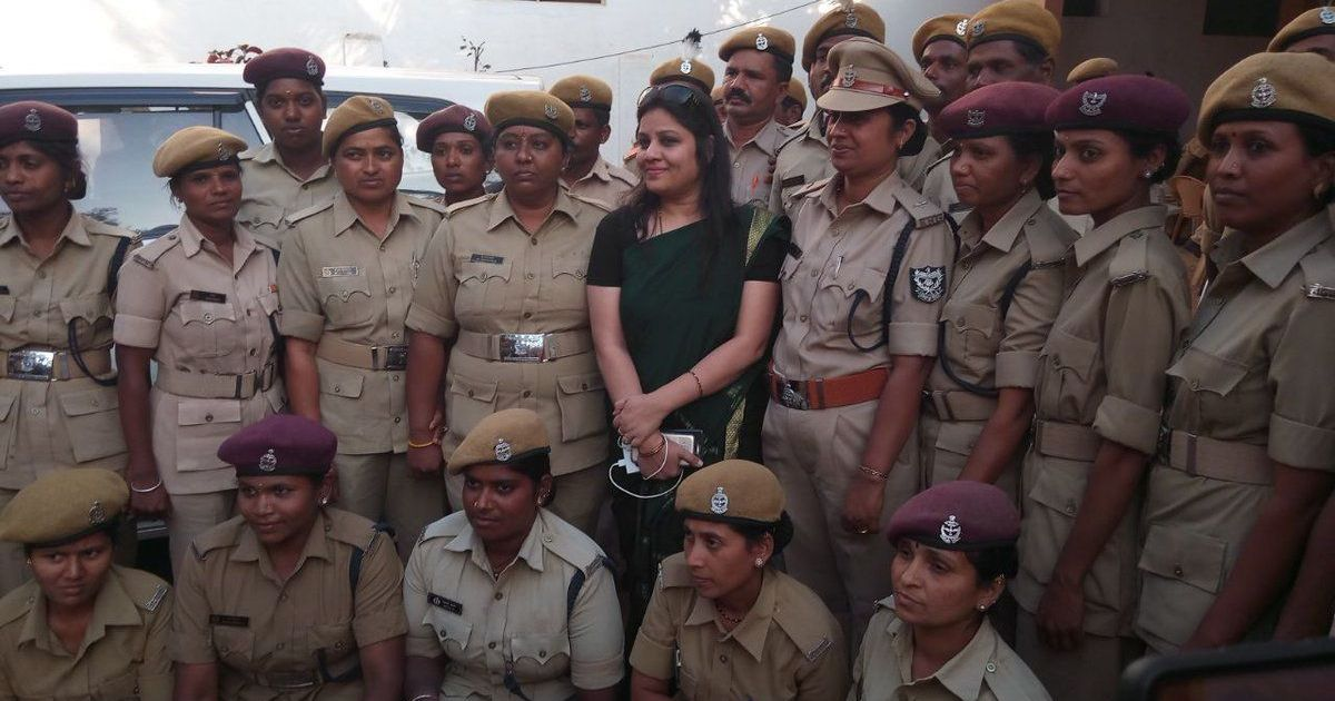 Foundation denies offering award to cop Roopa