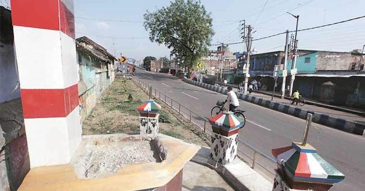 पश्चिम बंगाल : रामनवमी जुलूस के दौरान मौलाना अबुल कलाम आजाद की प्रतिमा ढहाई गई