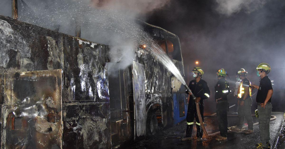 थाइलैंड : बस में आग लगने से कम से कम 20 की मौत