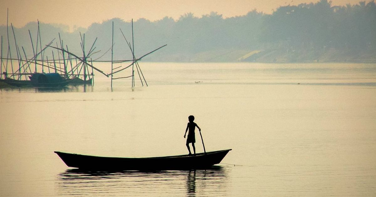 Why did Bengal once have so many kinds of boats? The answer