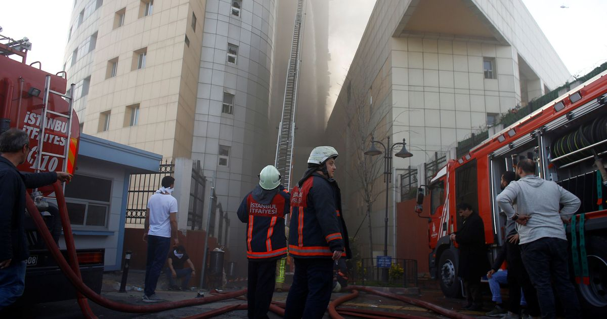 Patients Evacuated as Fire Engulfs Istanbul Hospital Facade