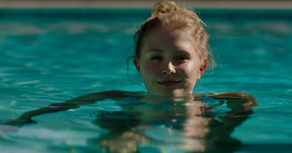Trailer talk: In mini-series on Gillian Flynn's 'Sharp Objects', corpses and ghosts