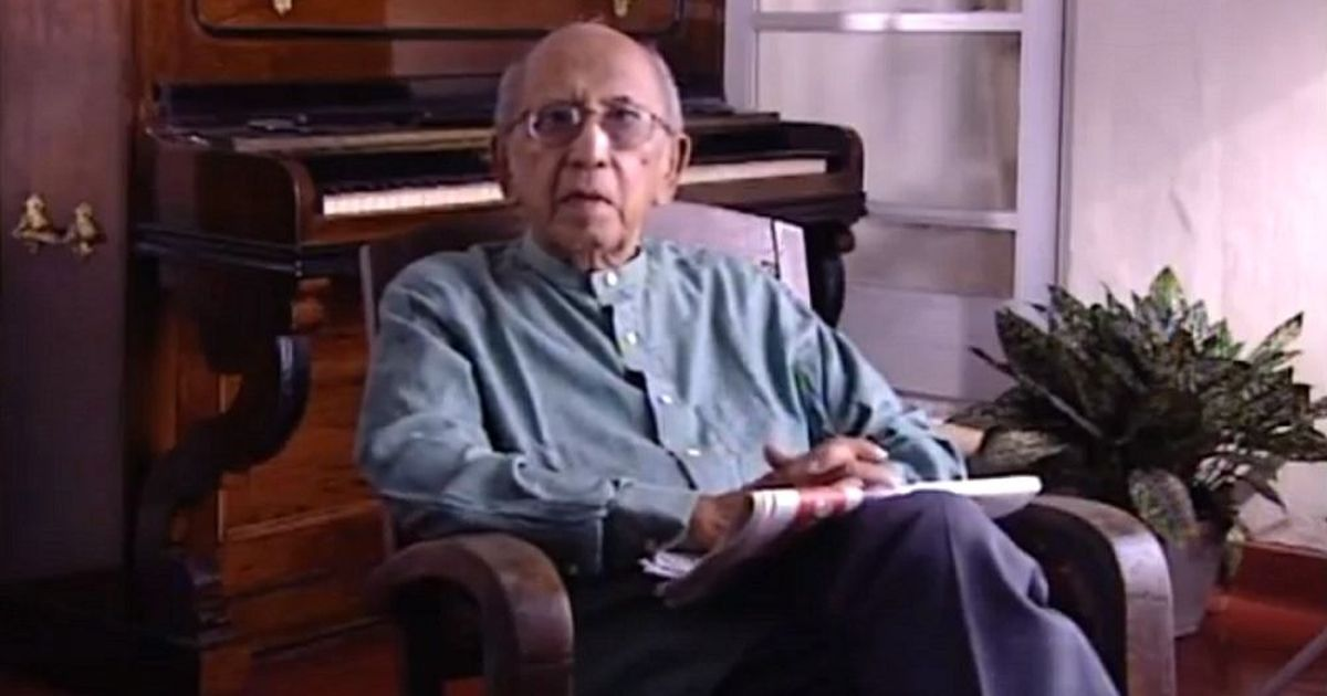 Pioneering Sri Lankan director Lester James Peries dies aged 99