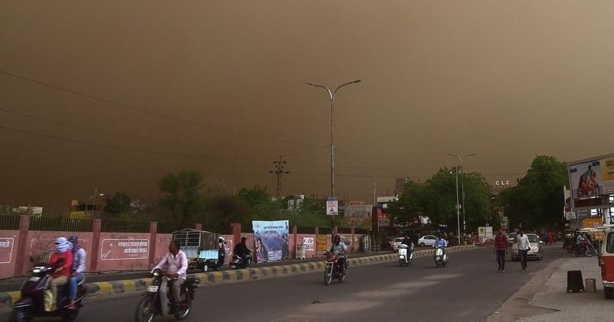 India dust storms kill 125 in night of destruction