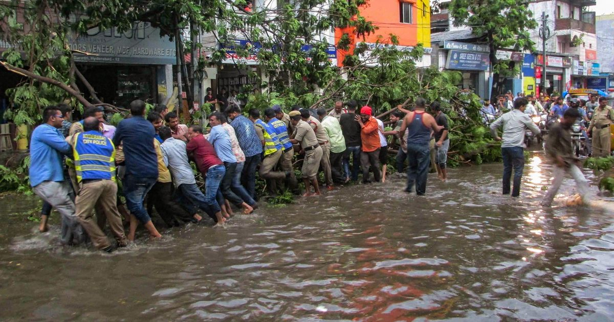 India's wild weather leaves over 100 dead