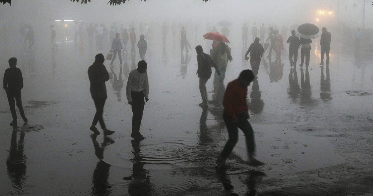 Dust storm accompanied by squall hit Delhi